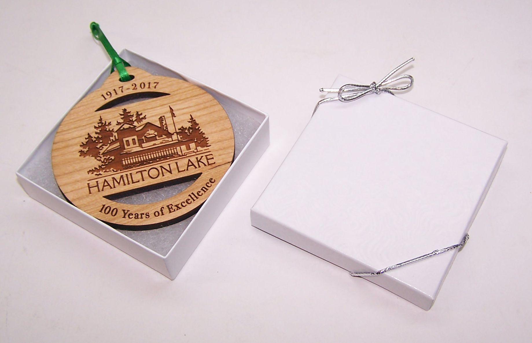 wood-ornament-gift-box